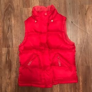 Oshkosh red puffer vest size 10 - Super Puffy!
